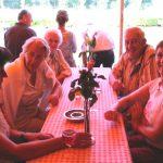 Vlnr: Marie-Louise van Sprang, Jacqueline Smits, Will Vriens, Ton (†) en Hanny Klomp